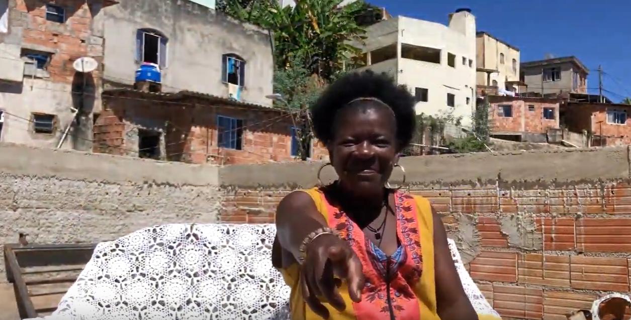 Samba, família e alegria – Raquel Senéias