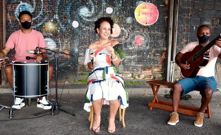 Uma história de amor pelas rodas de samba. – Ana Proença
