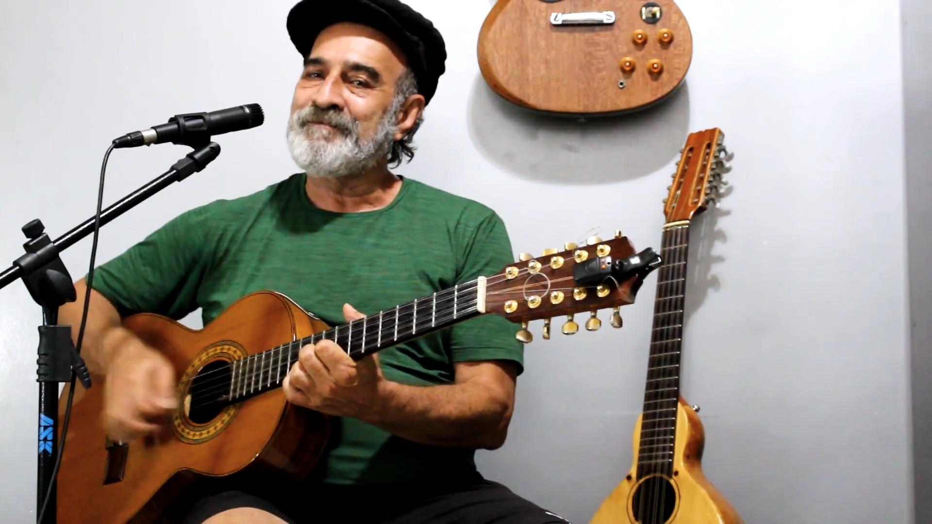 Paulo Mourão – A música veio como um sopro da natureza.